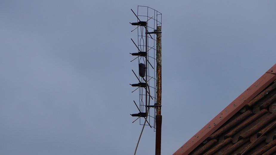 Smutna antena smutnych rebeliantów