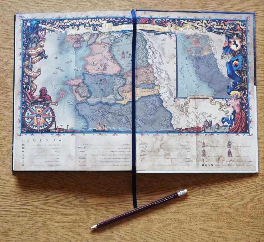 Mapa Królestw Północnych została umieszczona zarówno z przodu jak i tyłu książki.